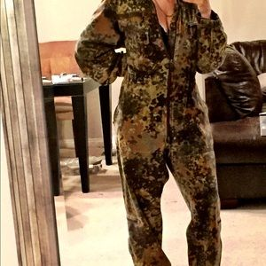 VTG Vintage camouflage pilot fatigues flight suit